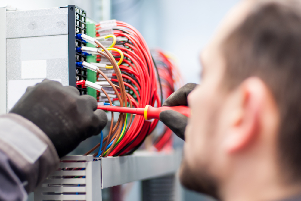 The Advantage Of Hiring A Certified Industrial Electrical Maintenance Crew
